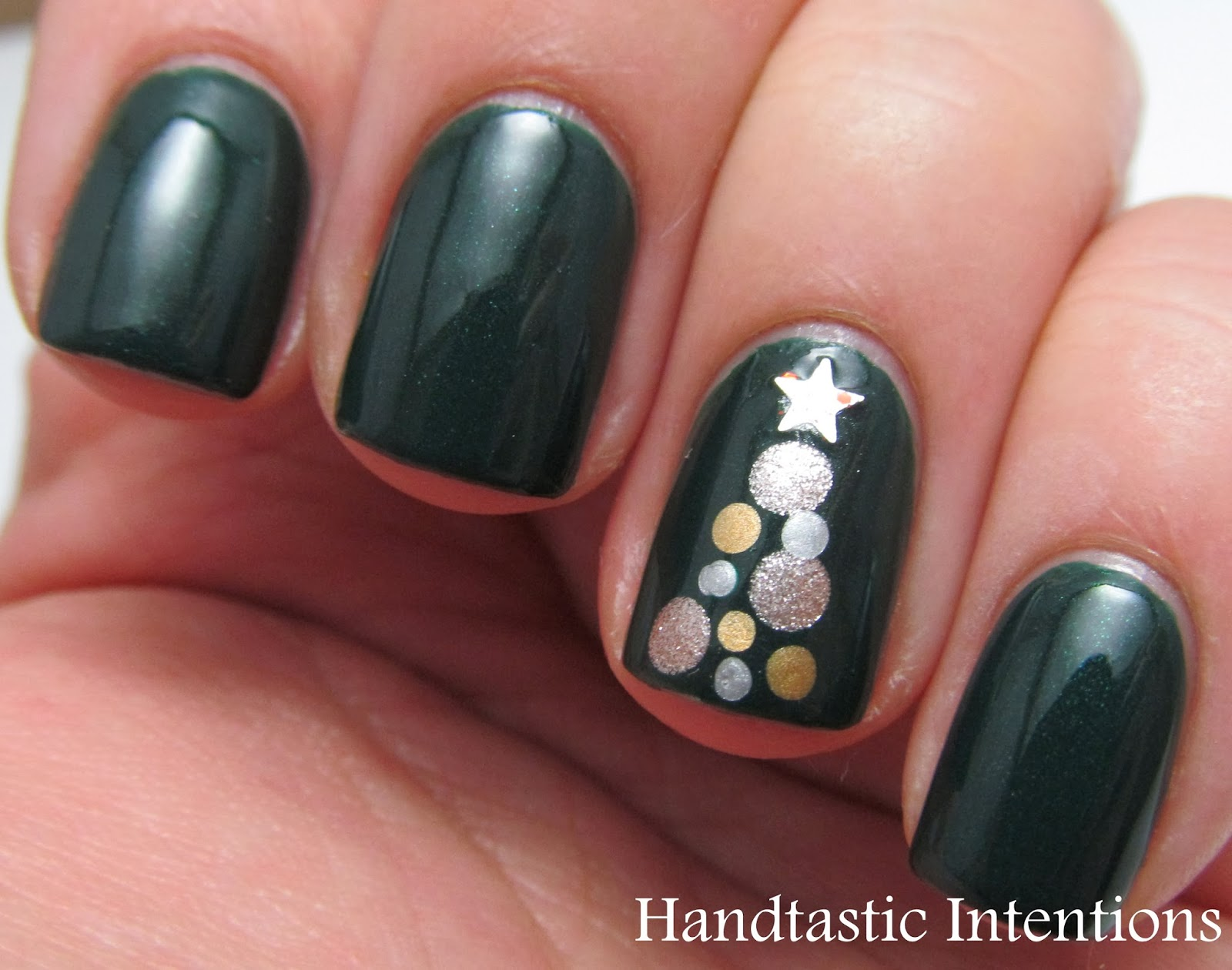 Handtastic Intentions Nail Art Christmas Tree Nails