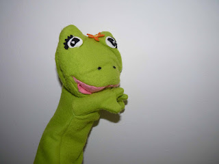 marioneta de mano la rana florecita