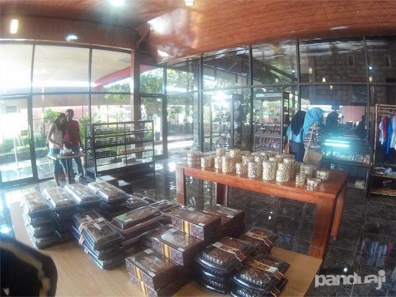 Mini Market Coklat