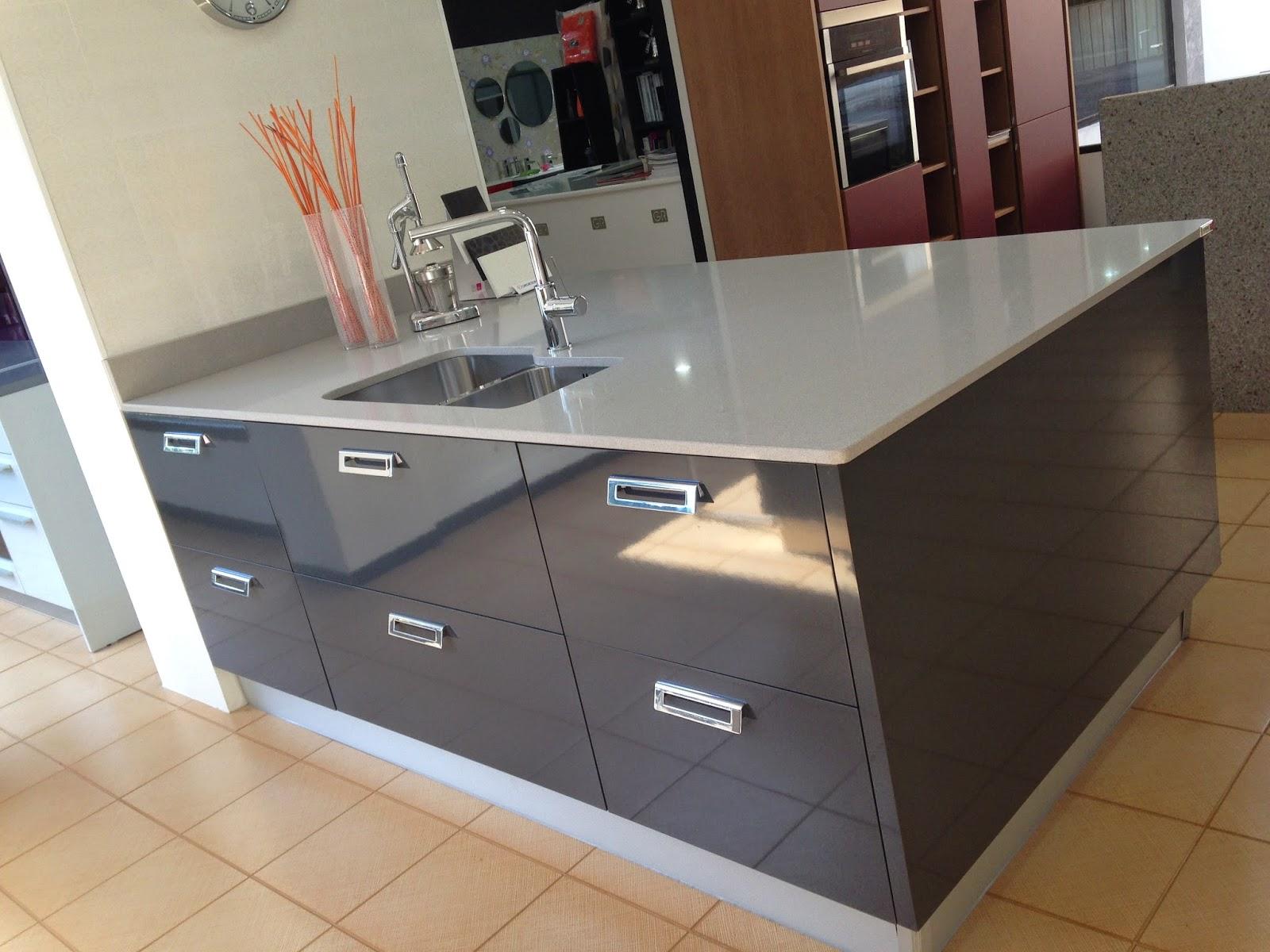 Precios especiales en muebles de cocina por cambio de exposicion getxoreformas d a a d a - Precios encimeras de cocina ...