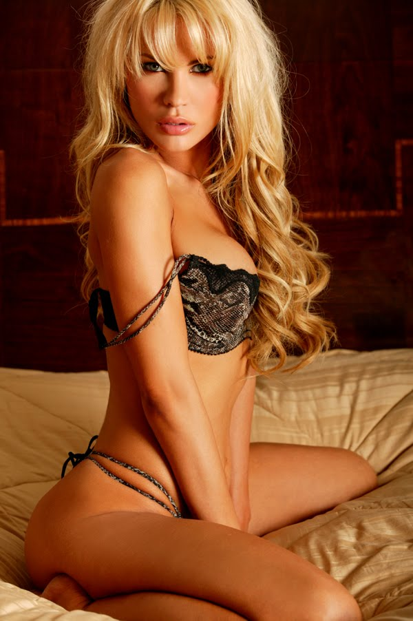 Amanda Brown Net Worth