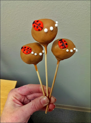 Cake Pops Decorated with Fondant - Ladybugs