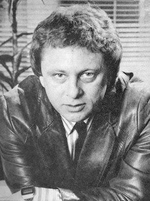 El novelista de ciencia ficción Norman Spinrad durante los años 80.