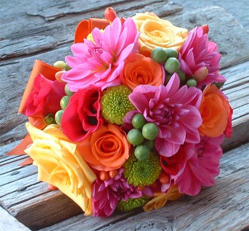 bouquet de flores coloreadas