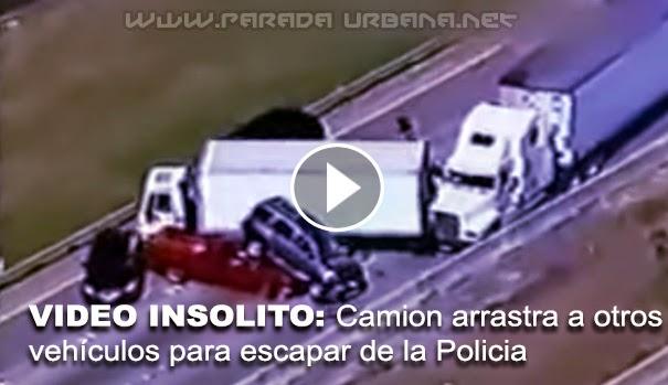 VIDEO INSÓLITO - Camionero, se lleva todo a su paso, para evitar ser atrapado por la Policía