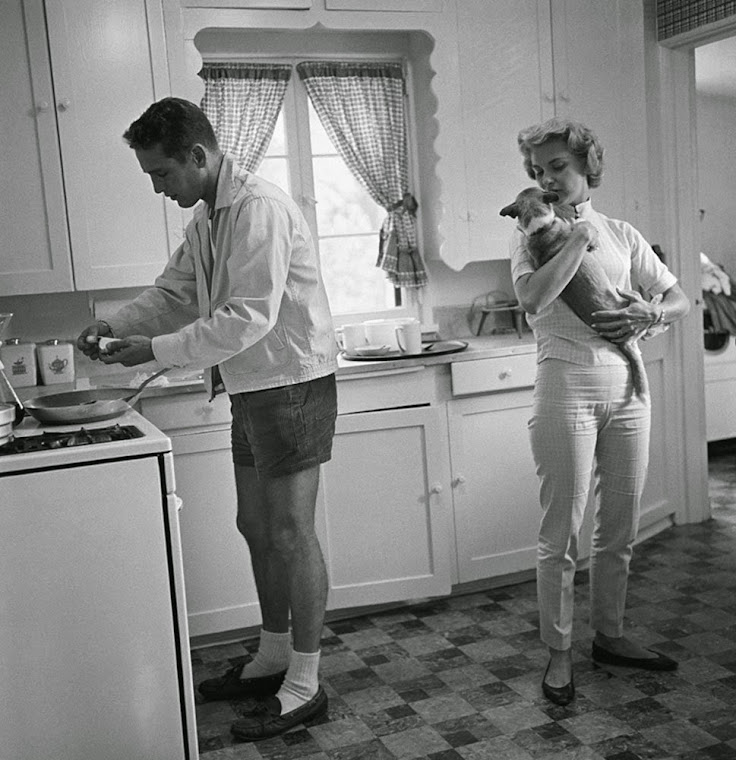 Paul Newman and Joanne Woodward in their Beverly Hills home, 1958.
