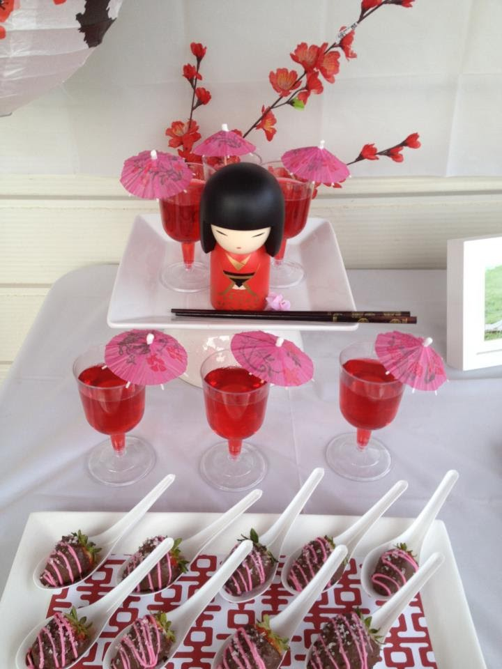 Todi customer parties kokeshi doll japanese theme for Asian party decoration
