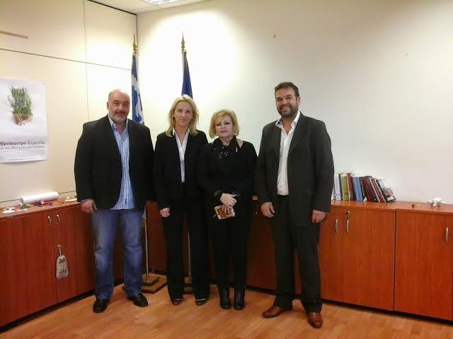 Συνάντηση της Περιφερειάρχη, Ρένας Δούρου, με το Σωματείο Οδηγών Ταξί Αττικής (ΣΟΤΑ)