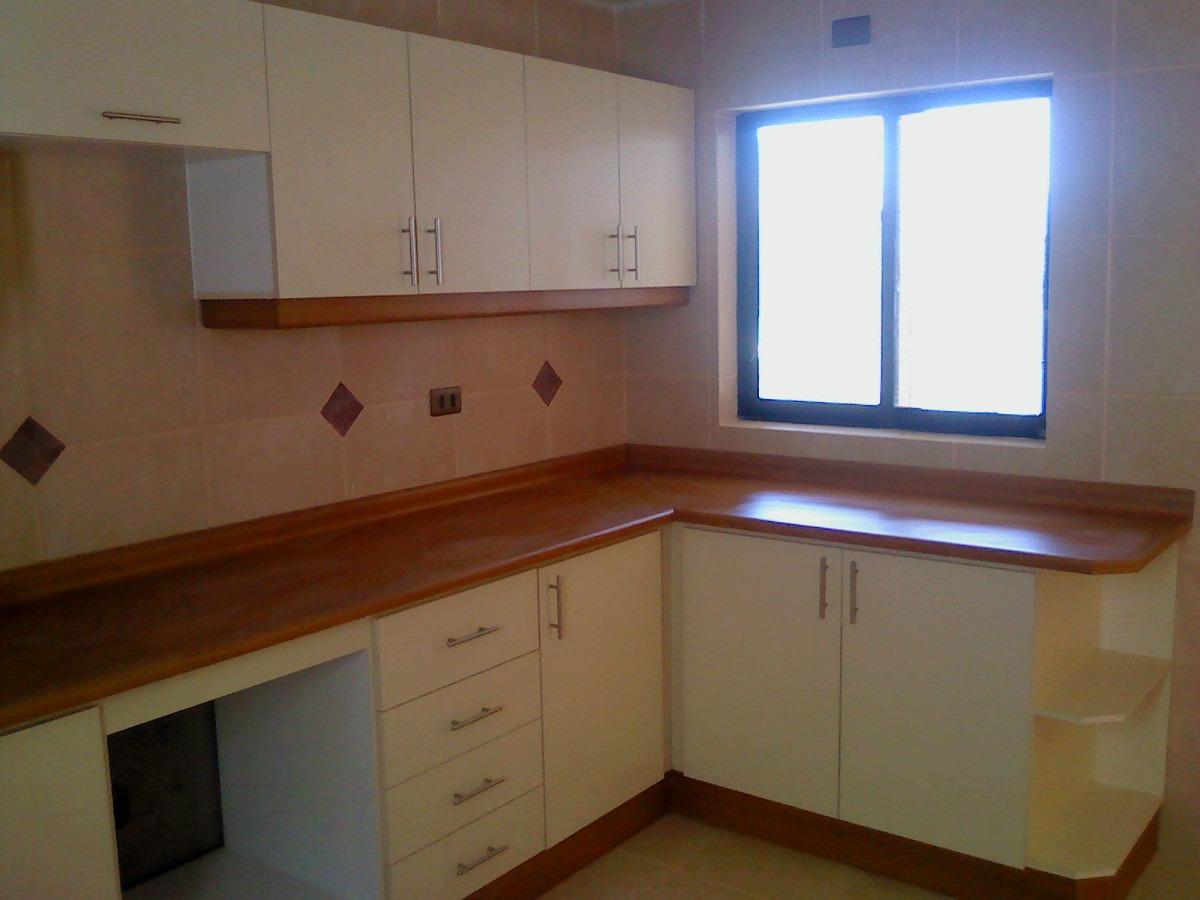Fabrica de Muebles SC: Mueble de cocina, tomadores metálicos