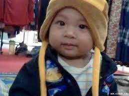 foto bayi pakai topi