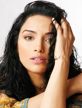 Women Hairstyle Actress Shweta Menon Hot Photo Album