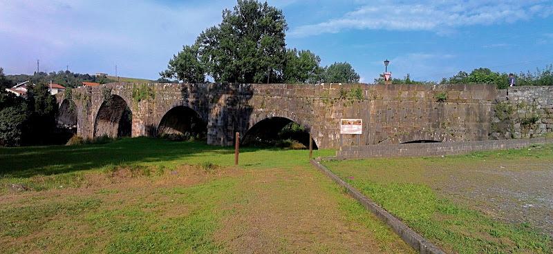 Puente Viejo de Oruña