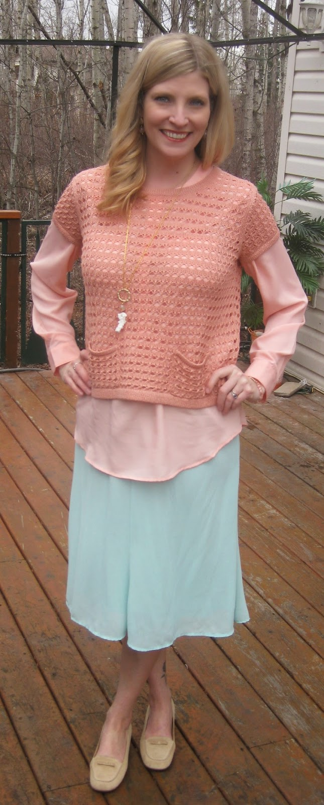 http://vvboutiquestyle.blogspot.ca/2014/04/looking-lucky-easter-pastels.html