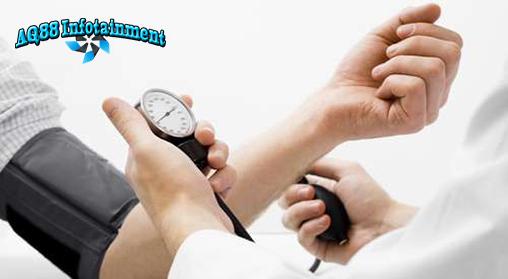 Tekanan darah yang tinggi di usia 20 tahunan ternyata memiliki efek buruh untuk masa depan. Penelitian membuktikan adanya kaitan antara tekanan darah tinggi dengan risiko penyakit jantung.