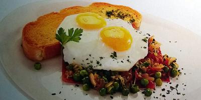 recetas de cocina huevos al plato con jamon y arvejas