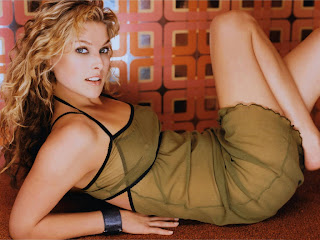photos of ali larter