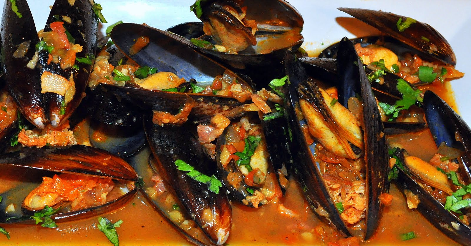 Life Scoops: Mussles in White Wine sauce