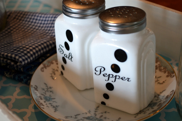 antique salt and pepper shakers: Antique Toolbox Makeover | DIY Playbook