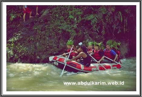 Bukit Lawang Tour Rafting