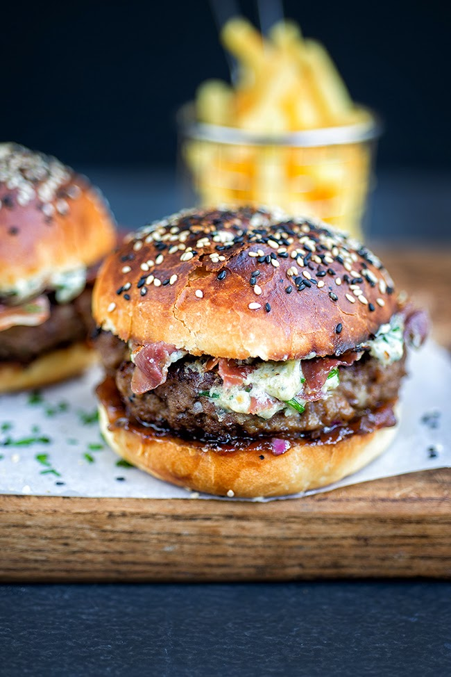 Blue cheese burgers on light brioche rolls with crispy pancetta and ...