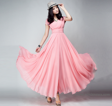 Tampak Tinggi Dengan Long dress