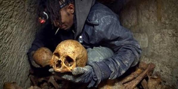 """بالصور: شاهد العثور على جمجمة """"هابيل"""" أول قتيل في الأرض بعد 430 ألف عام"""