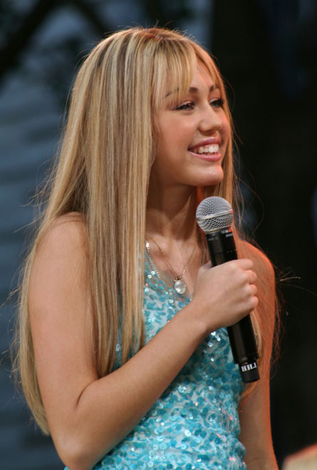 Miley Cyrus & Kelly 2011 Pictures Collection