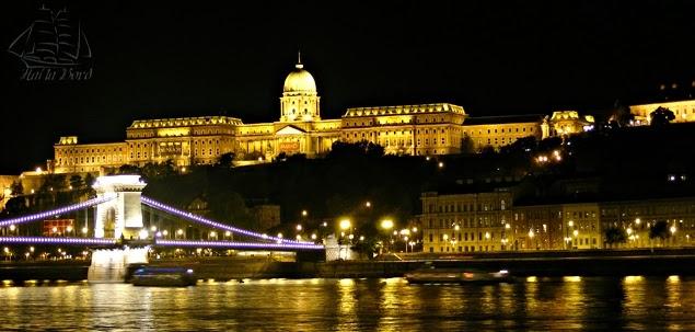 priveliste noaptea parlament budapesta