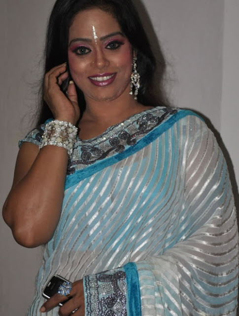 devipriya in saree