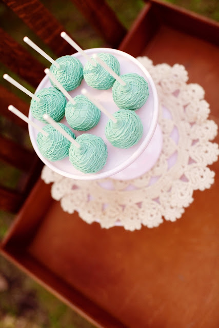 Eggshell Blue Wedding Cake Lollipops