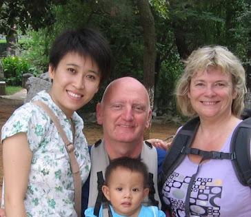 Photo de Raphel et maman et Papa et Noémi