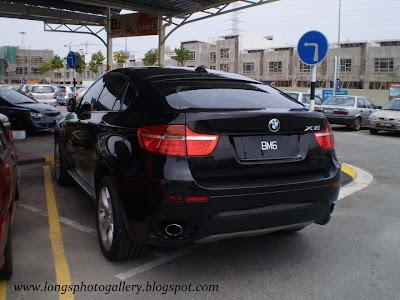 Black colour BMW X6