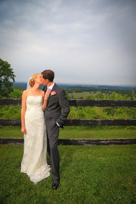 Bluemont VIneyard Bride and Groom Photo