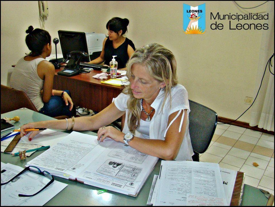 La vidriera de leones exitosa labor de la oficina de for Oficina registro civil
