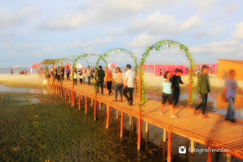 wisata pantai romantis medan sumatera utara fotografimedan