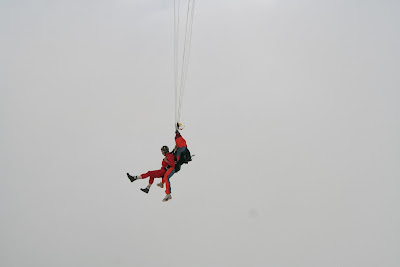 St. Peter-Ording: Fotos eines Tandem-Fallschirmabsprunges über dem ordinger Strand 30