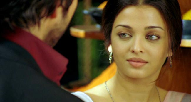 Bollywood Actress Aishwarya Rai Innocent Photos unseen pics