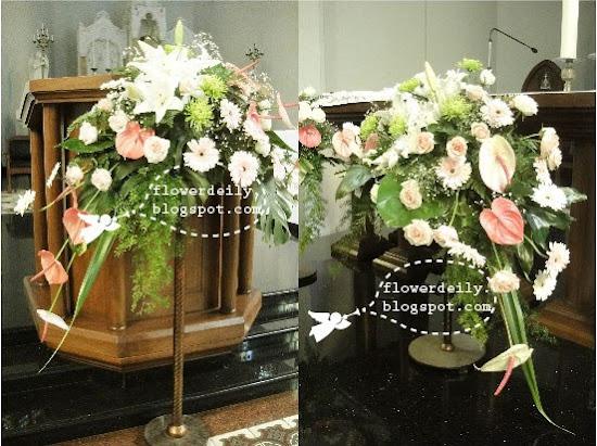 Decoración floral con paniculata, verde, margaritas y algo de rosa (lilium) 12