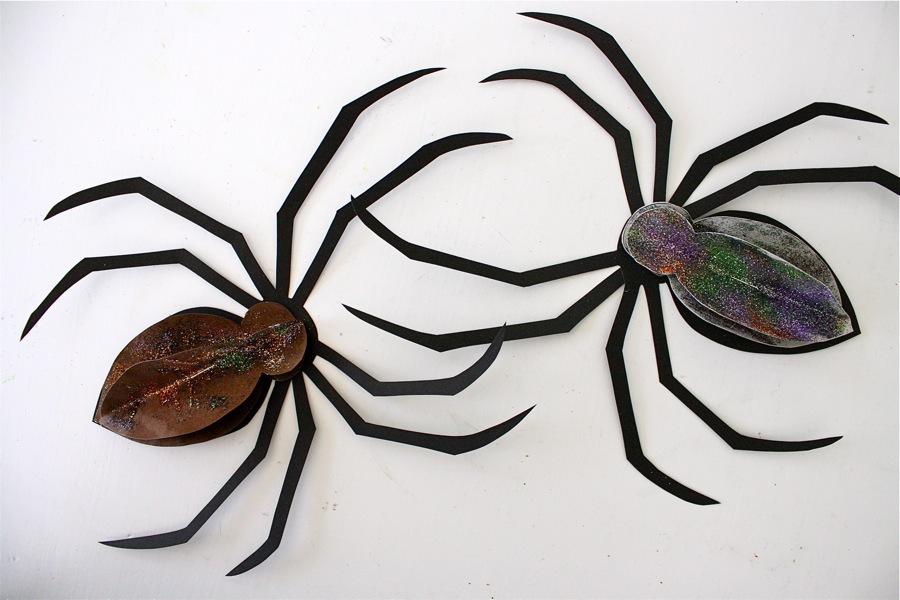 giant yarn spider web made everyday. Black Bedroom Furniture Sets. Home Design Ideas