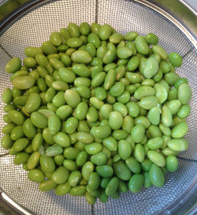 Edamame boiled and draining