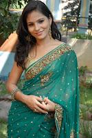 Jarabbani looks cute in Saree New Photos