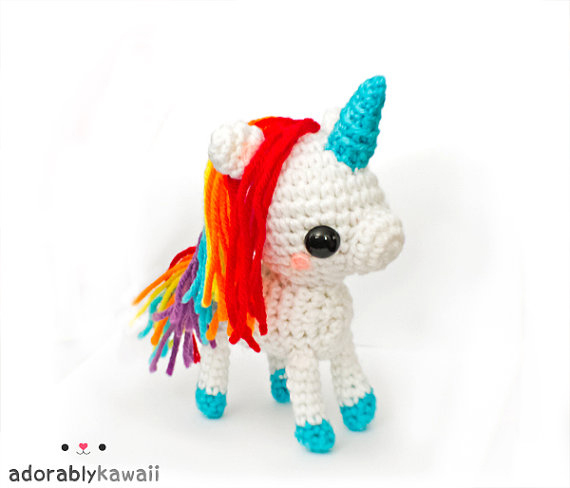 Amigurumi Pattern Unicorn : Rainbow Unicorn Amigurumi Pattern Adorably Kawaii