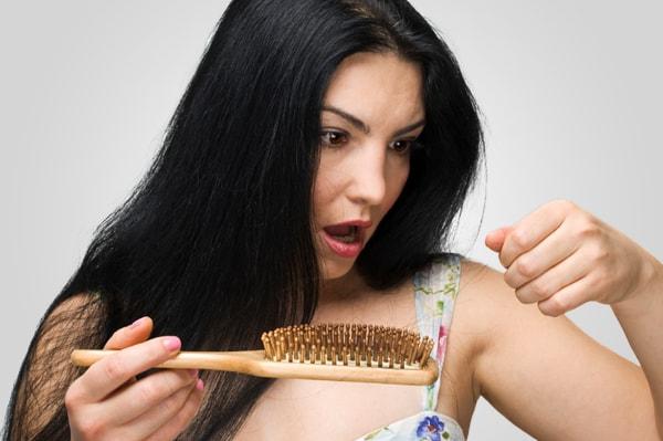 أفضل الوصفات لعلاج تساقط الشعر