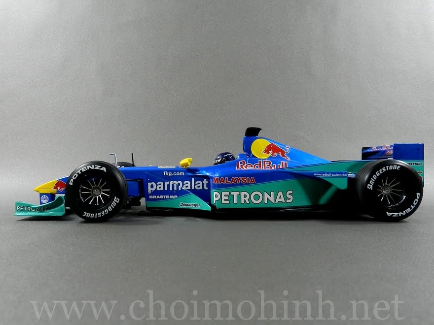 F1 Red Bull Sauber Petronas 1:18 Minichamps side