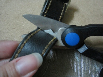 how-to-make-a-fashionable-faux-rock-leather-bracelet