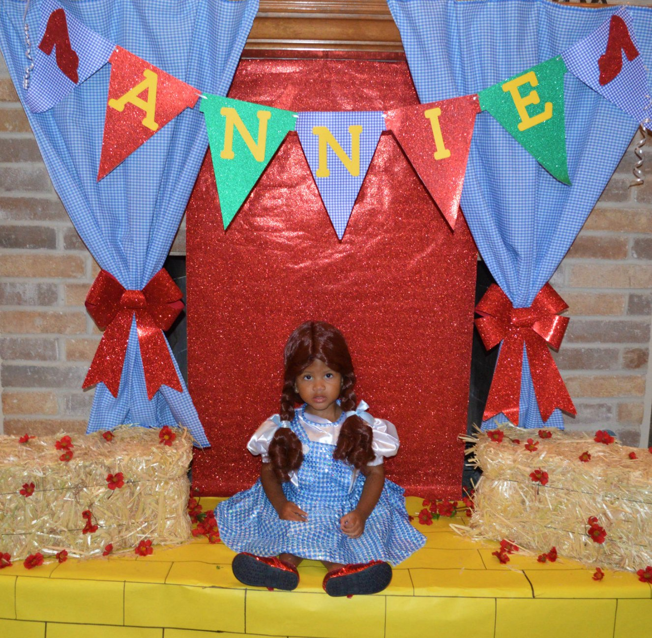 Wizard Of Oz Party Decorations Snowflakes And Starfish Wizard Of Oz Party Food And Decor