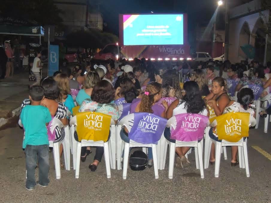 """Projeto """"Viva Linda O Boticário"""" promove cinema a céu aberto em Barra do Garças"""
