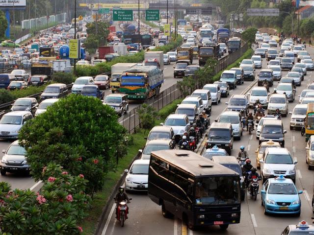 Mengurai Kemacetan Di Jakarta & Solusinya