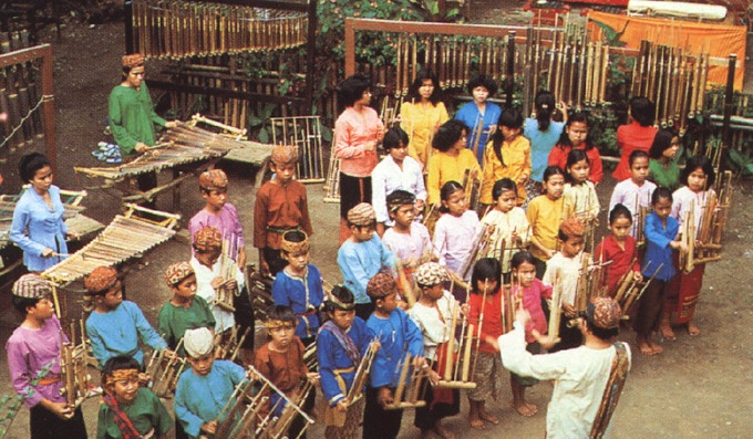Join the world record-breaking Angklung Ensemble!