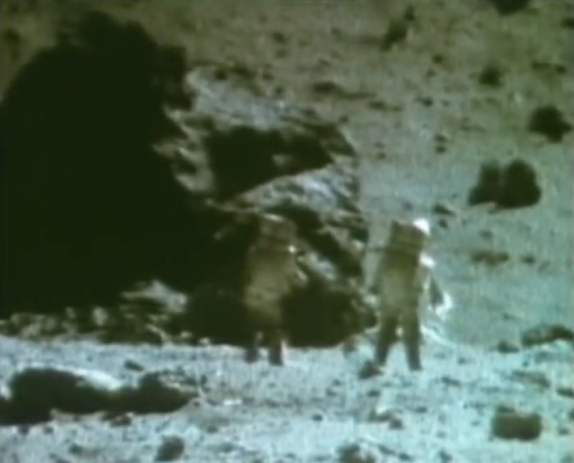 Astronauts See Aliens On Moon - Pics about space